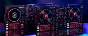 Imagen de las controladoras Numark Mixtrack Platinum y Pro FX