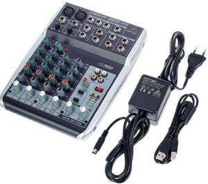 Review de mesa de mezclas Behringer Xenyx Q802USB accesorios incluidos en la caja